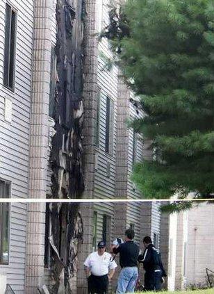 Apartment Building 4912924