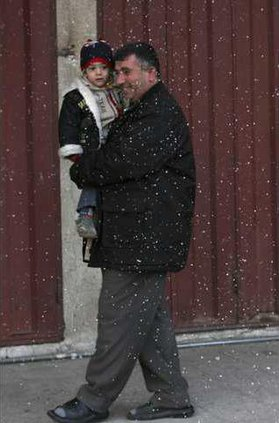 IRAQ FIRST SNOW IN 5482491