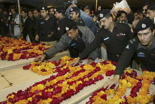 Pakistan Bombing LH 5160100