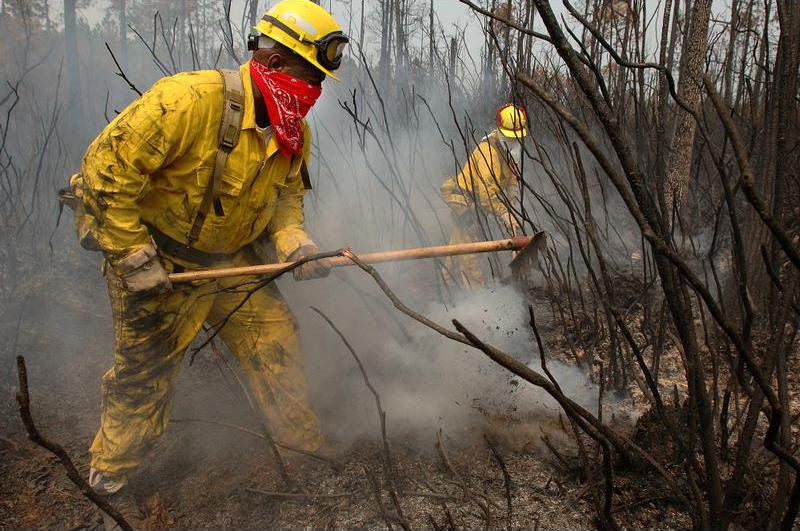Inmate firefighters help battle Georgia wildfires