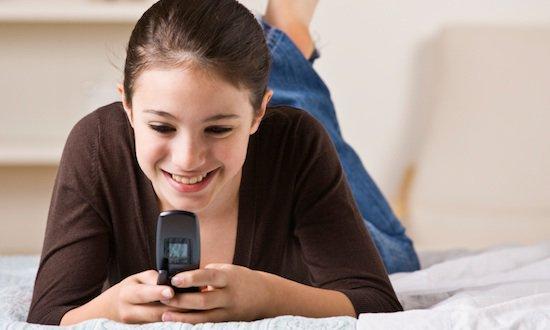 teen girl with cell