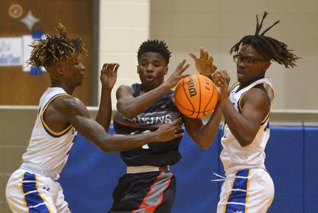 Southeast Bulloch basketball splits with Jenkins